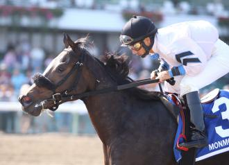 Flay Mignon, with Paco Lopez aboard, wins the second stakes of her career in the Jersey Juvenile.